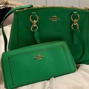 Brand new coach Purse with wallet